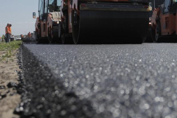 Chcemy budować drogi taniej - mówi wiceminister Jerzy Szmit (fot.ptwp.pl)