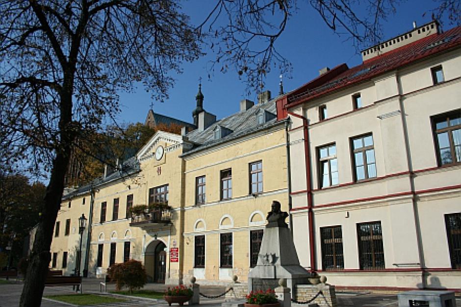 Olkusz: Radny krytykował burmistrza, więc go odwołano
