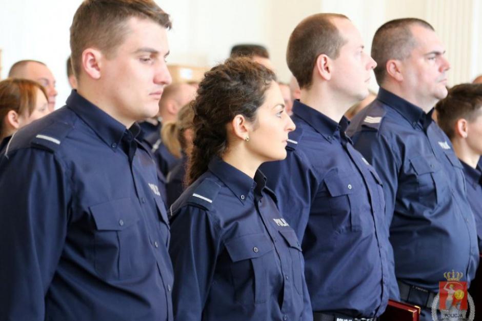 Warszawa: Prezydent miasta przyznała policjantom nagrody pieniężne