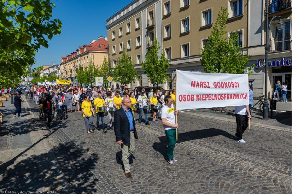Marsz Godności Osób Niepełnosprawnych. Białystok za integracją