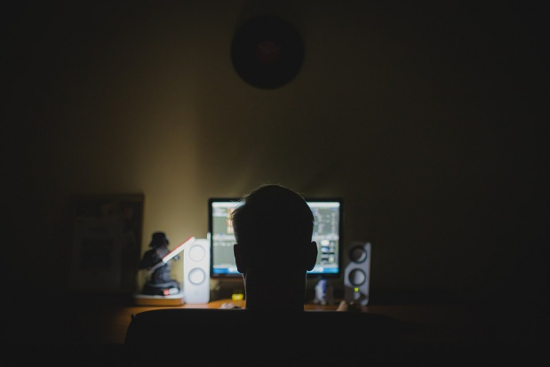 Ataki DDoS coraz groźniejsze. Jak nie dać się hakerom?