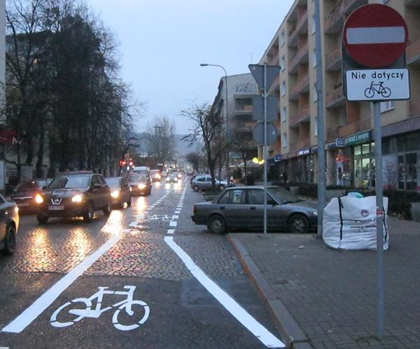 Kontrapas dla rowerów na ul. Starowiejskiej w Gdyni (fot. Rafał Studziński/UM Gdynia)