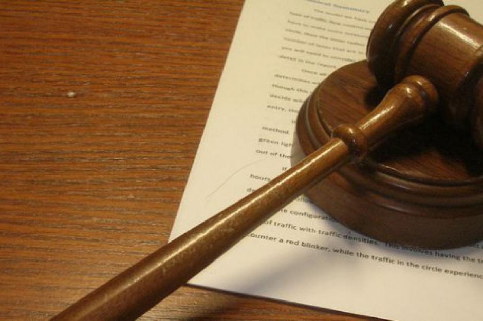 Wyrok więzienia w zawieszeniu za korupcję wyborczą