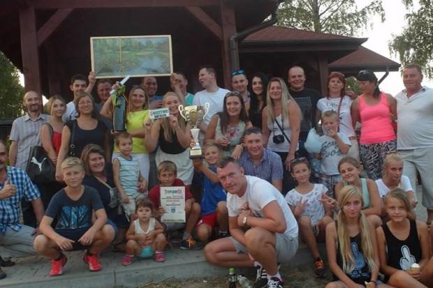 Grupa nieformalna Aktywny Natolin i władze samorządowe gminy Nowosolna (fot.mat.prasowe)