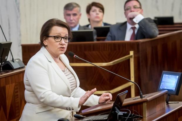 Anna Zalewska na sali Sejmiku Śląskiego (fot.slaskie.pl)