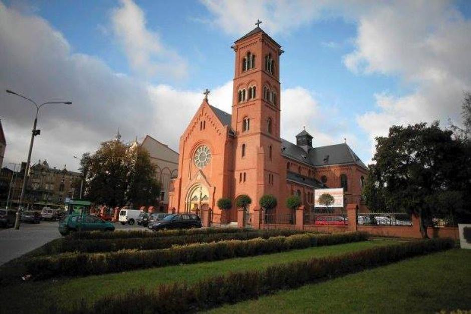 Poznań, poświęcenie figury: Samorząd nie chce figury Chrystusa przed kościołem na Jeżycach