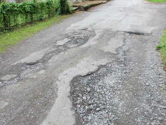 Drogi lokalne i powiatowe kompromitują nas w UE. A to 88,5 proc. dróg
