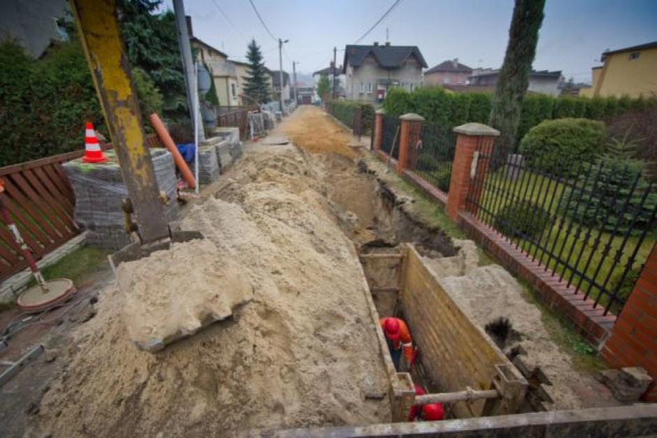 Rada gminy nie może nakazać przyłączenia do kanalizacji