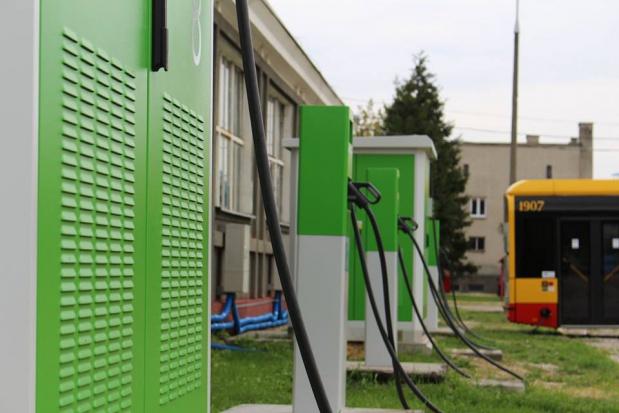 Warszawa inwestuje w ekologiczny transport - kupi więcej elektrycznych autobusów