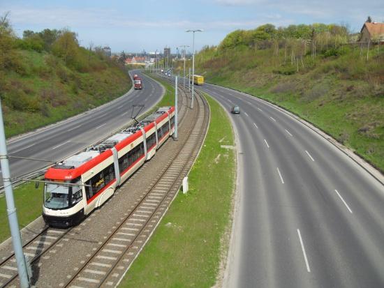 Transport miejski w programach Infrastruktura i Środowisko, Polska Wschodnia i RPO. Miasta na prawach powiatu są stratne?