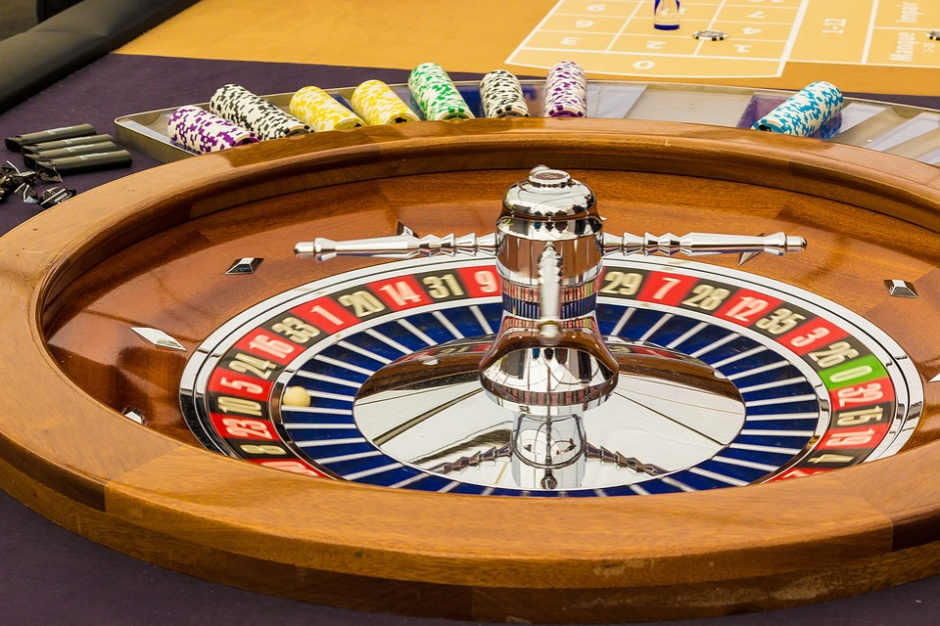 Zaostrza się walka o kasyno w Kielcach