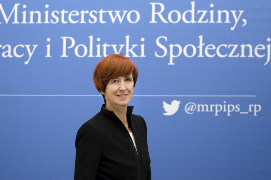 Rafalska apeluje do samorządów o przyspieszenie wypłat z 500 plus