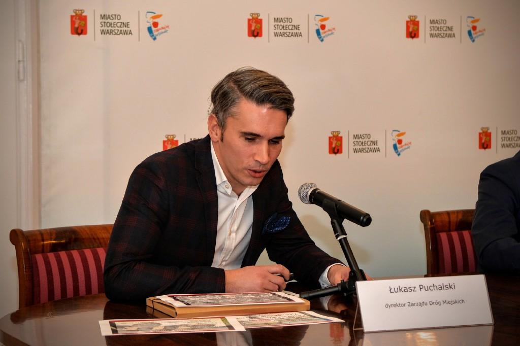 Łukasz Puchalski zwraca uwagę, że rower publiczny jest używany na krótkich odcinkach, a decyzję o wypożyczeniu użytkownicy często podejmują spontanicznie (fot. ZDM Warszawa)