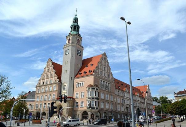 Olsztyn: Umowy cywilnoprawne w instytucjach publicznych owiane tajemnicą?