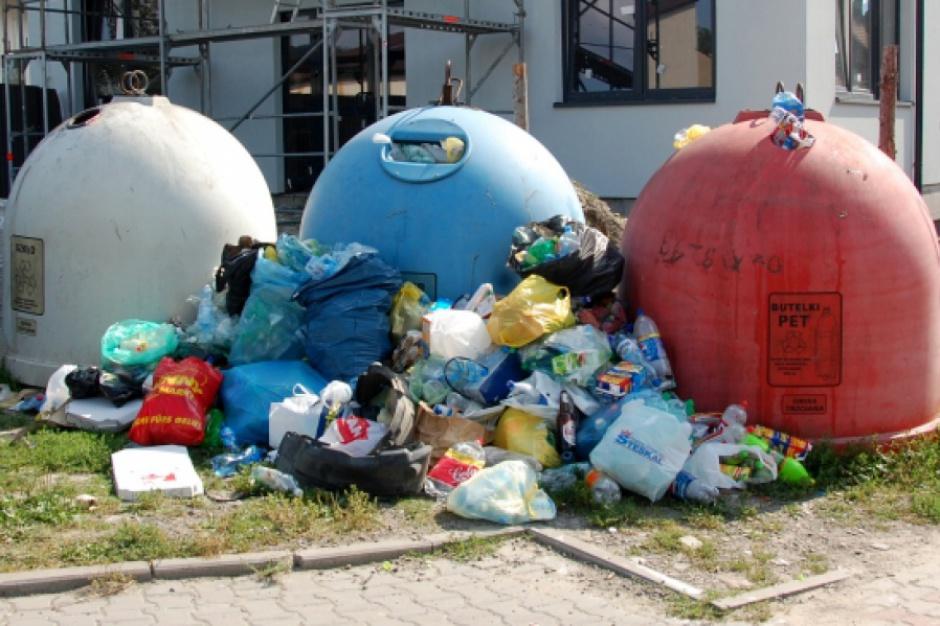 Segregacja śmieci: Według sprawozdań z recyklingiem jest doskonale