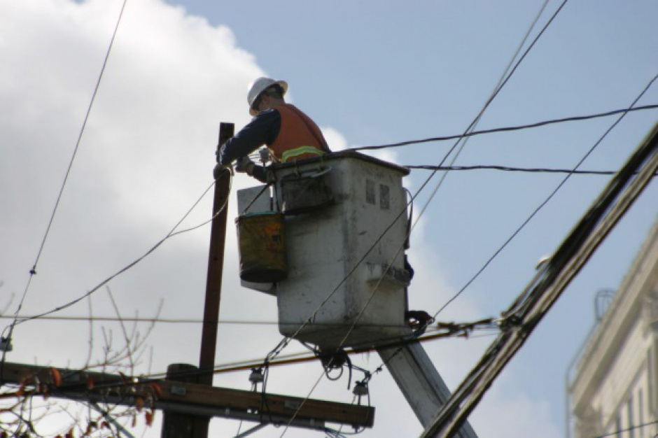 Nawałnice. Ponad 100 tys. osób jeszcze bez prądu