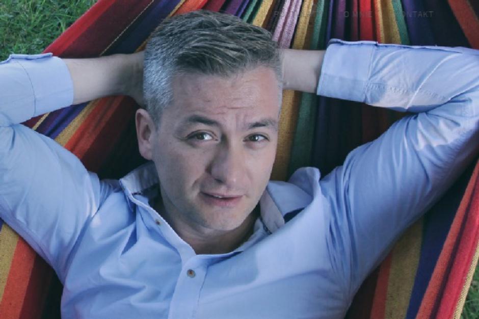 Robert Biedroń poleciał na imprezę środowisk LGBT. Radna PiS pyta, kto za to zapłacił?