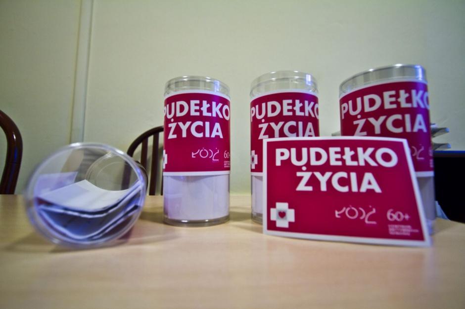 """Łódź finansuje """"pudełka życia"""" dla seniorów"""