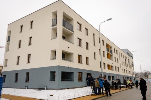 Mieszkania komunalne: Bon mieszkaniowy rozwiąże problem kolejek?