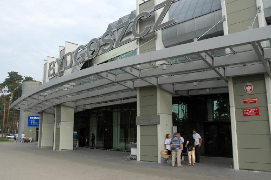 Toruń z Bydgoszczą drą koty onazwę portu lotniczego