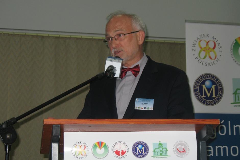 Prof. Jeżowski o istocie reformy edukacyjnej i likwidacji gimnazjów: Wyście nam zrobili źle, my wam jeszcze gorzej