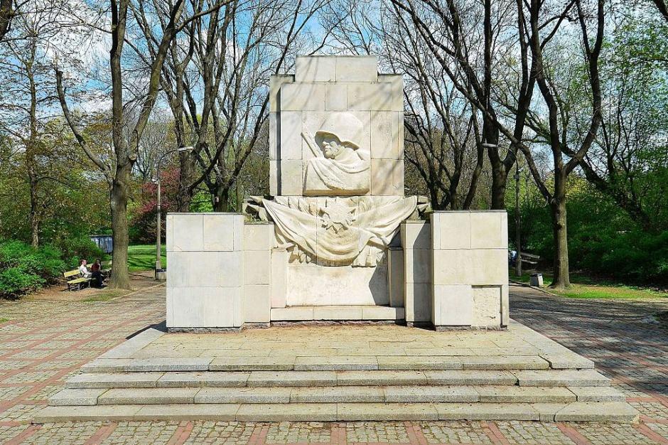 IPN chce skansenu pomników wdzięczności Armii Czerwonej, prosi samorządy o kontakt