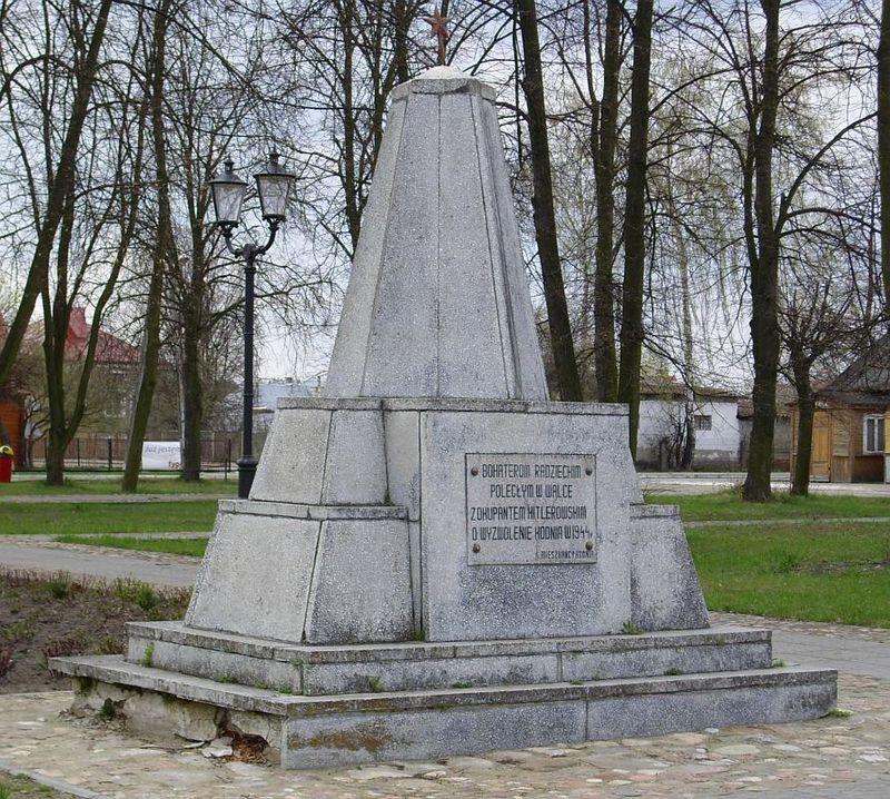 Pomnik wdzięczności Armii Radzieckiej w Kodniu (fot. wikipedia.org)