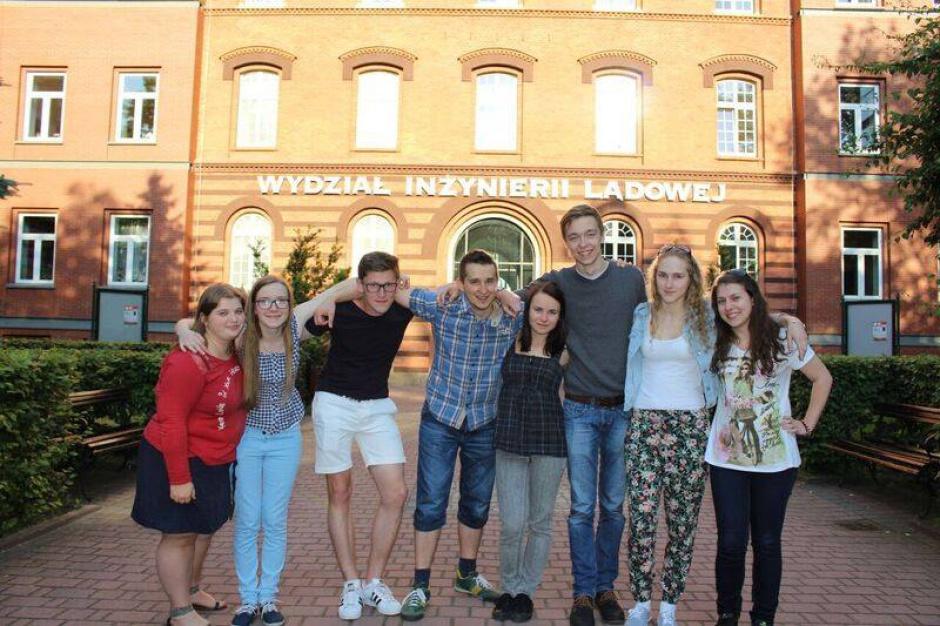 Tarnów: studenci charytatywnie wyremontują pogotowie opiekuńcze