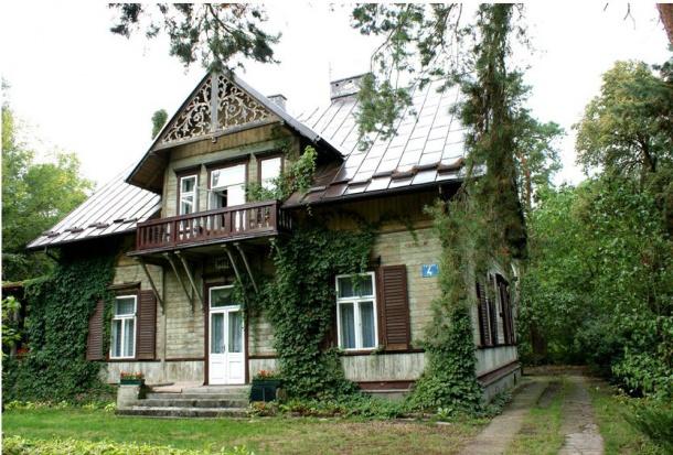 Willa Miła znajduje się obok Parku Zdrojowego przy ul. Piotra Skargi 4 (fot.MWKZ)