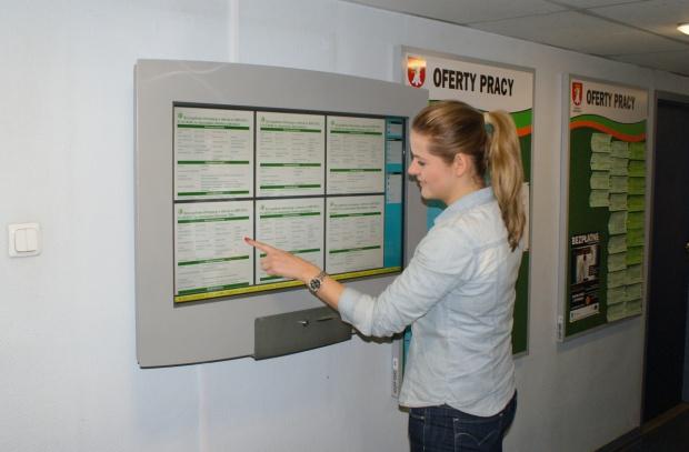 Informacja o wyniku naboru ma być upowszechniana przez zamieszczenie na tablicy informacyjnej w jednostce. (fot.uppk.pl)