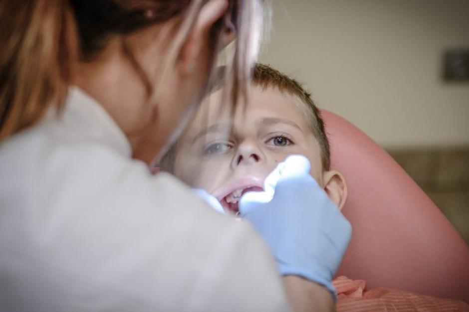 Żory: Dentysta w każdej szkole? Program nierealny