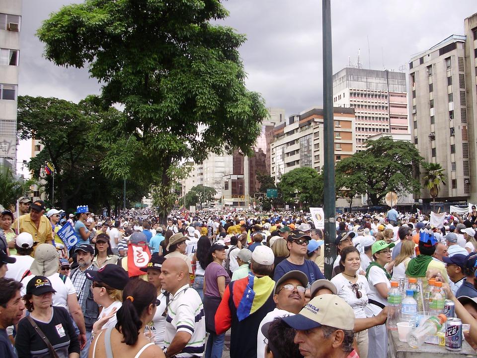 Do burmistrza wpłynęło zawiadomienie o zamiarze organizacji zgromadzenia, przeciwko umieszczeniu w mieście imigrantów (fot. pixabay)