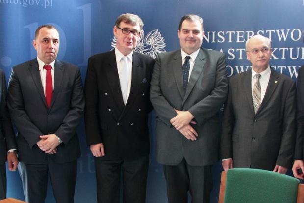 Fot. Sygnatariusze listu intencyjnego (fot.mib.gov.pl)