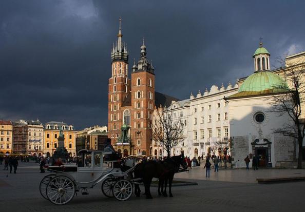 Światowe Dni Młodzieży: Dorożki nie będą jeździły po Rynku Głównym w Krakowie