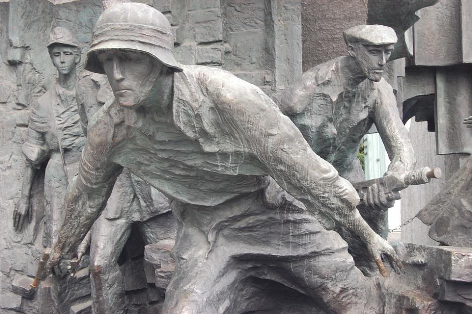 Warszawski ratusz nie chce, by wojsko odczytywało Apel Poległych