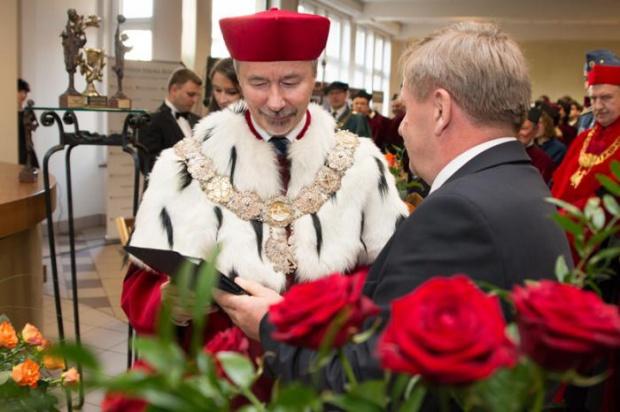 Sejmowa komisja apeluje do premier o wzrost nakładów na naukę i szkolnictwo