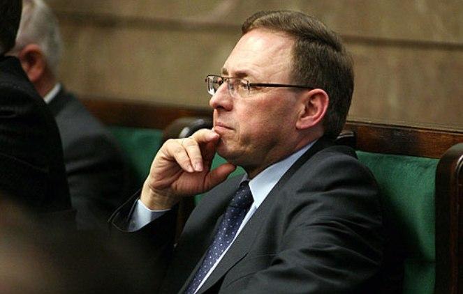 Teraz sytuacja wygląda tak, że konsultacje społeczne niby są, ale procedura obok dalej biegnie – mówi poseł Galla (fot. ryszard-galla.pl)