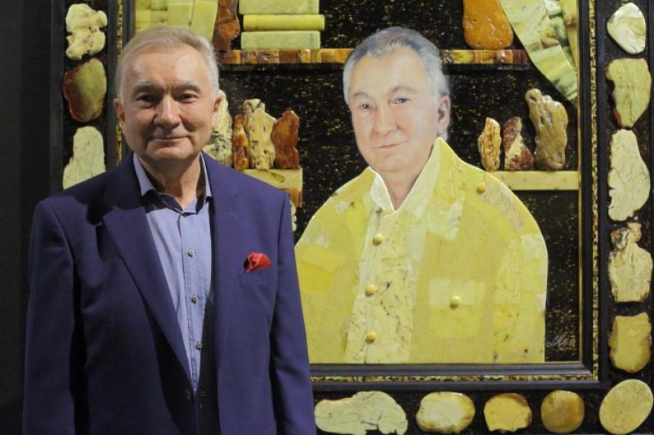 Gdańsk: Bursztynnik Lucjan Myrta otrzymał srebrny medal Gloria Artis