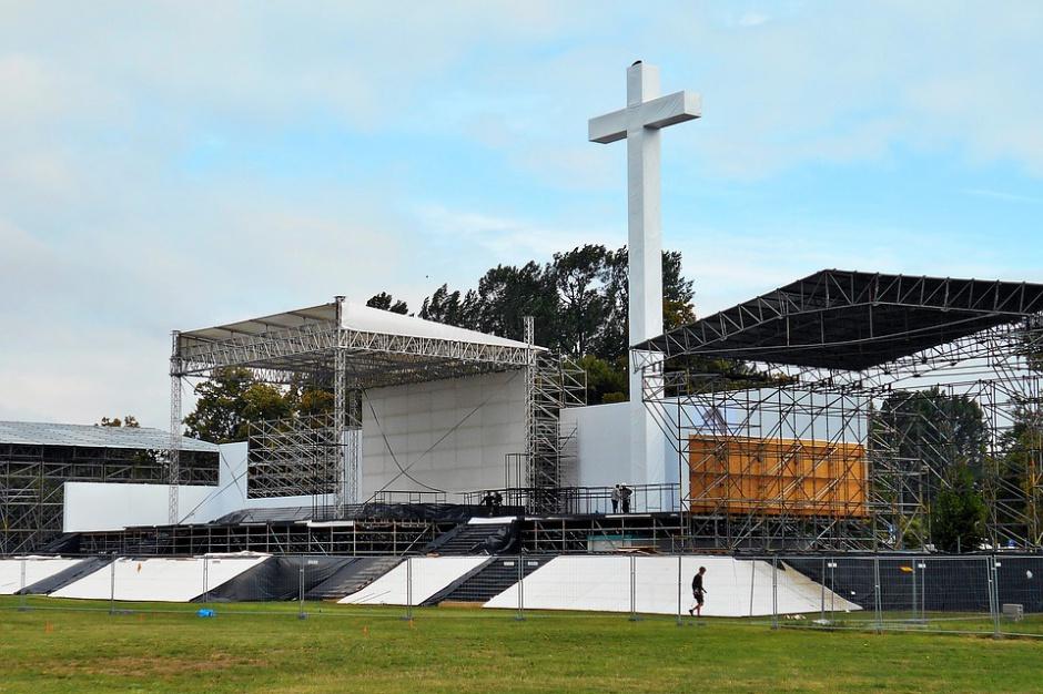 Msza na Błoniach rozpoczyna Światowe Dni Młodzieży