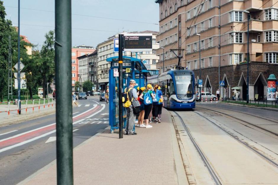 ŚDM: Rekordy komunikacji miejskiej, ale w piątek kolejne utrudnienia