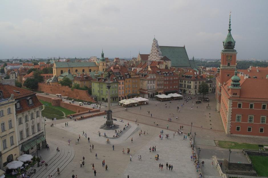 Warszawa. Koncert piosenek powstańczych na pl. Piłsudskiego