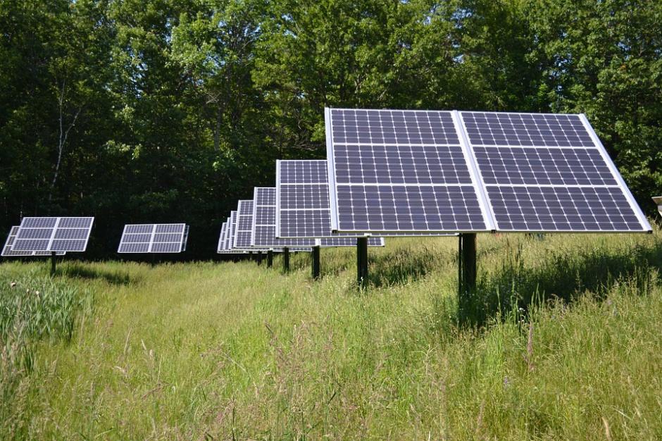 Poprawa jakości powietrza: NFOŚiGW wspiera OZE i zmniejszenie zużycia energii