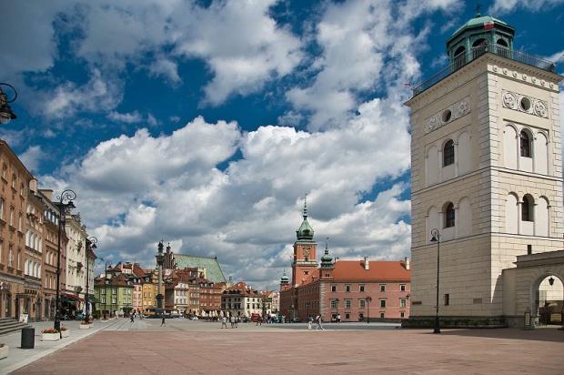 Warszawa, pomnik smoleński: Hanna Gronkiewicz-Waltz przeciwko. PiS ją przekona?