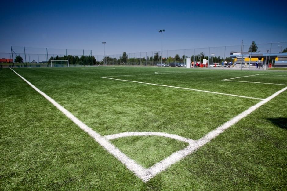 Orliki, opłaty: Finansowanie modernizacji boisk po stronie samorządów