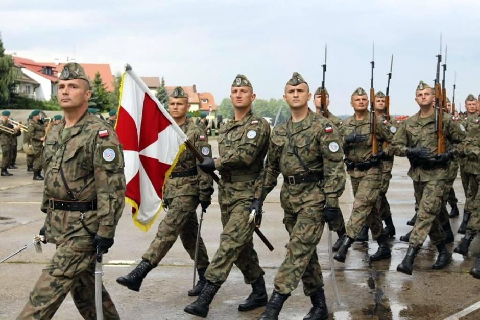 Warszawa, Święto Wojska Polskiego: Wojsko przygotowuje się do defilady