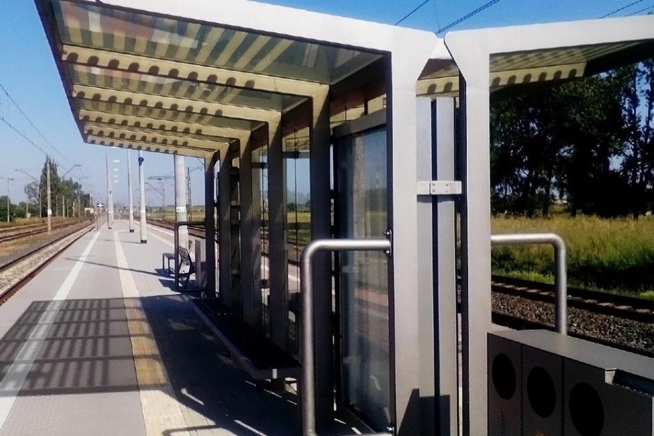 PKP PLK postawi nowe wiaty na stacjach i przystankach w czterech województwach