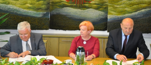 Podpisanie umowy (fot.torun.pl)