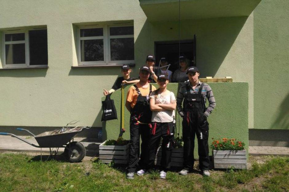Wrocław. Studenci zbudowali schronienia dla uchodźców