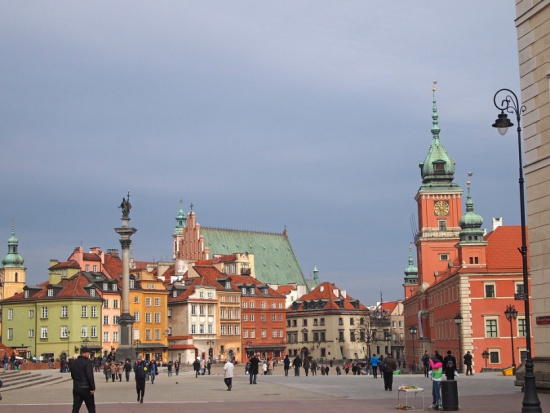 Reprywatyzacja w Warszawie. Miasto czeka na wyjaśnienie wątpliwości przez służby