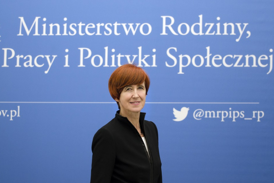 Rafalska: Do rodzin trafiło ponad 7 mld zł z 500 plus